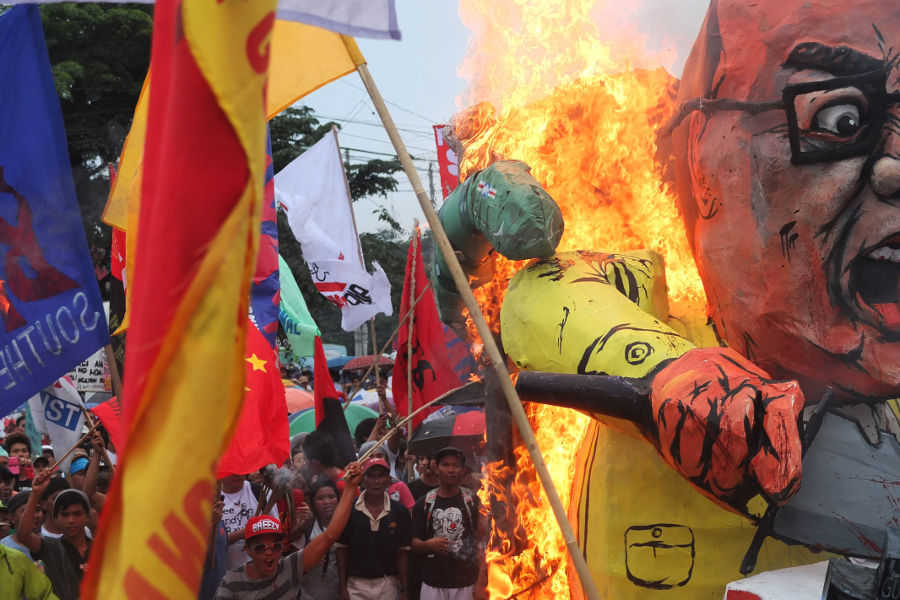 Protest Puppetry in the Philippines, 2013, Photo: Jonas Staal