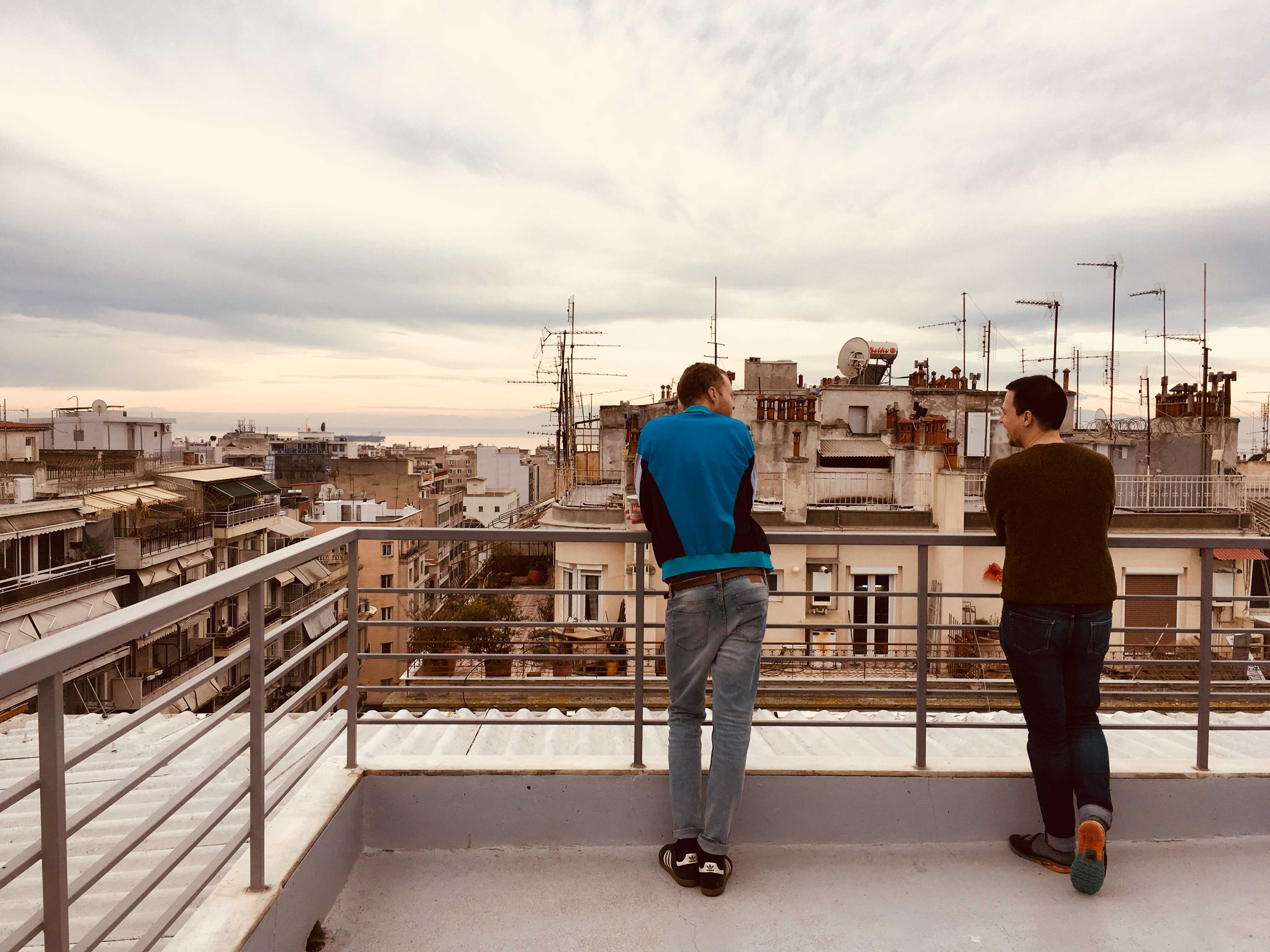 DAI-day 1 in Thessaloniki: students Floris Visser and Matthieu Blond enjoying the view from the rooftop terrace of the youth- hostel.